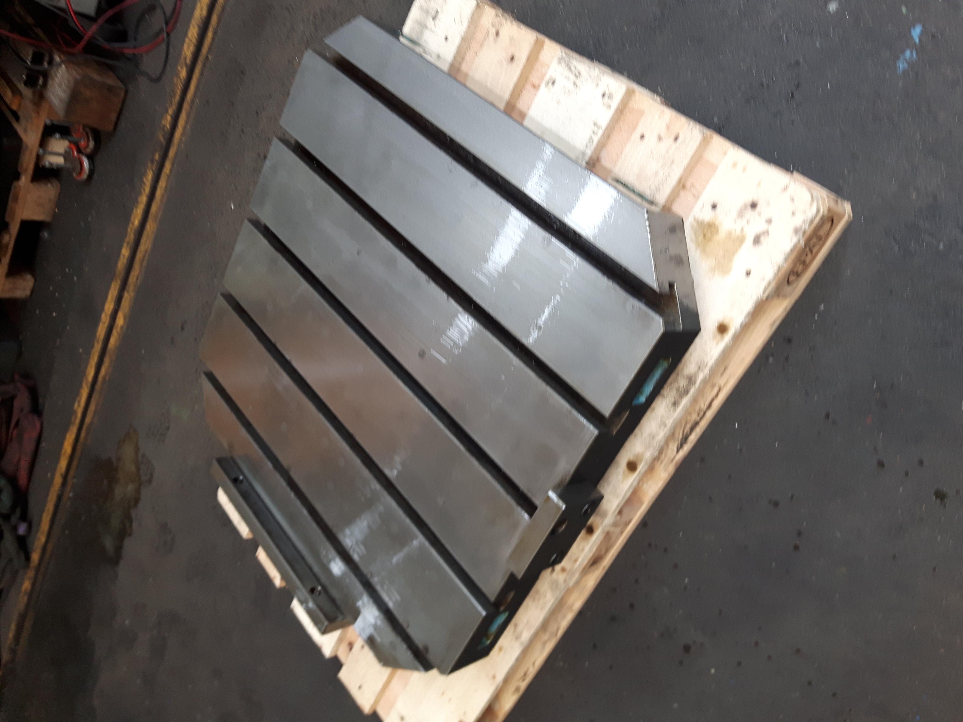 Imdat Werkzeugmaschinen Makino A99 188 Palettentische